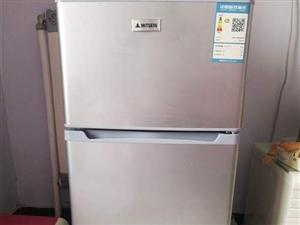 本人有一台118升的容声小冰箱低价出售,有意者联系