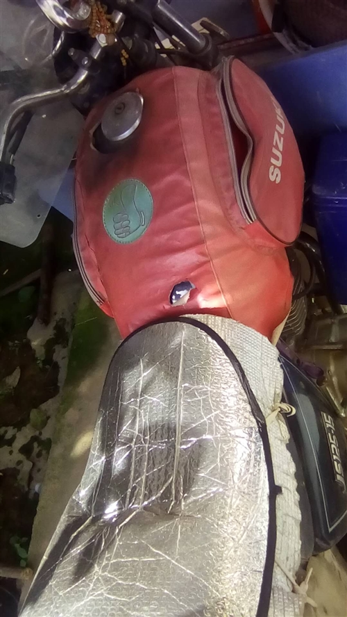 出售摩托车一台,需要脚踩发动,发动机没修过,一直都在骑,牙盘链条没换多久,其它都ok。换新车了,留着...