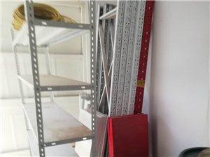 茶叶店倒闭,处理一批货架,价格美丽,还有几十个泡沫箱,特别适合装馒头和水产,电话,135053647...