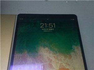10.5寸ipad Pro   9.9新  保修期内。原价降低1000处理。有意者带上诚来电。