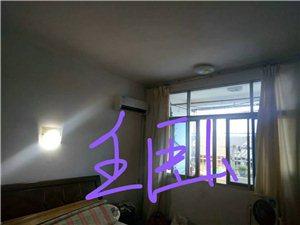 松鹤小区3室 2厅 1卫56万元