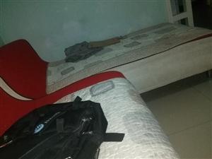 求购沙发一套,实木或布艺都可以,要求3米左右,欧式的不要
