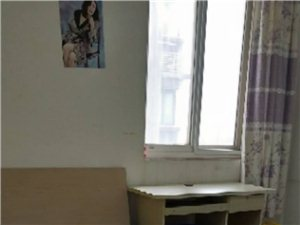 西安凤城一路五路5室 1厅 2卫500元/月