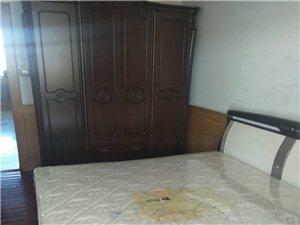 北三西二3室 1厅 1卫8200元/月