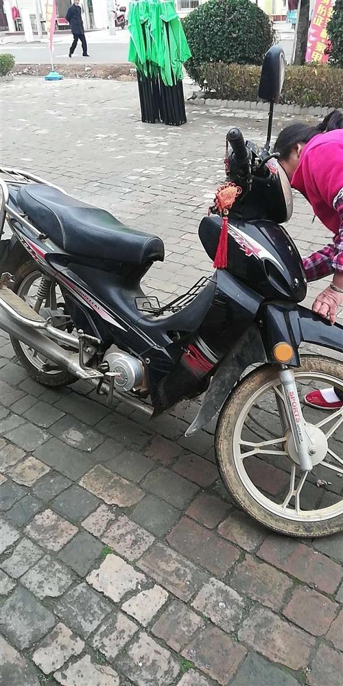 出售二轮弯梁,摩托车,车况好800元
