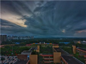 海桂学校上空的云彩
