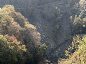 河道被私人乱采沙石严重破坏生态环境