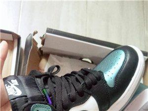 aj全新,36码,要的低价出。买了鞋子不合码