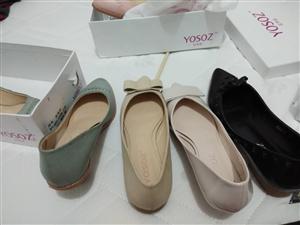 宜秀姿品牌,PU材质。以前开淘宝店的没有卖完,现在急需处理,一百多双中底跟女鞋,如有需求者可以联系