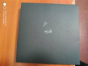 转让小米手机MIX2s  6+128一部  9.8成新 11月7号在壁山小米体验店3299买的到现在...