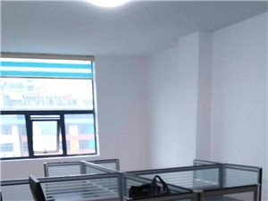 西站3室 1厅 3卫2000元/月