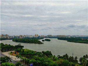 万泉河全景,可惜的是天气不作美