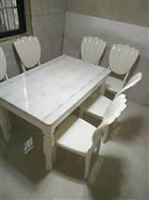 大理石餐桌一套,买来没有用,买的时候两千多,现1200元,不议价电话??15086081505