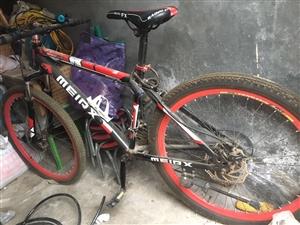 山地车自行车,上下班骑的,完好能骑,现在占地方,有喜欢的联系微信手机同号