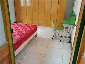 长阳黄龙路教研室2室 1厅 1卫700元/月