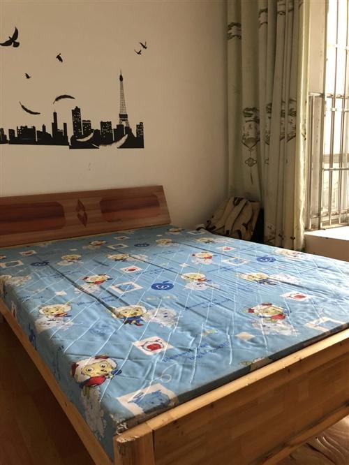 1.5*2.0的双人床,7成新,原价三百多买的,现160出手。县城内可送货上门。有意者电联,非诚勿扰