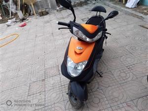 爱玛电动车,四月份买的。没怎么骑。