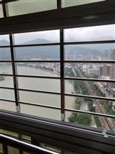 百宏滨江花园4室 2厅 2卫130万元
