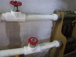 地暖漏水该谁管??
