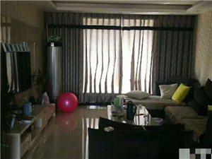 领秀城3室 2厅 2卫96万元
