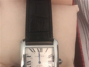 本人出售手表一塊。因急還貸款  買了一年多。原價三萬多。急賣2500 有懂表的有緣人聯系我。電話。1...