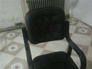 椅子、麻将机、电视机、洗衣机都是九成新。还有部分手表和复读机低价澳门金沙注册,联系电话:1809680076...