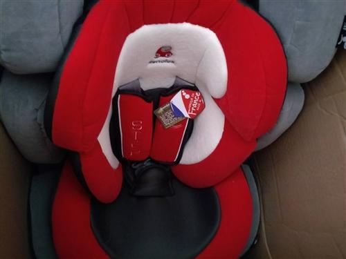 我有雷諾思品牌全新的寶寶安全座椅,使用年齡為9個月~12歲,現對外低價轉讓出售,有意者聯系電話138...