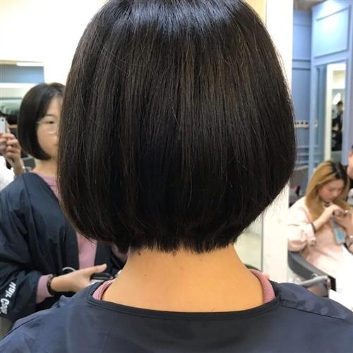 本人近期去了上海学习剪头发回来,在找真人练手剪发,烫头发,免费的,可以报销路费