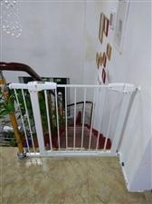 全新安全防护栏,可使用在楼梯口,有加长件,有u型栓,东西齐全,全新,全新,低价!