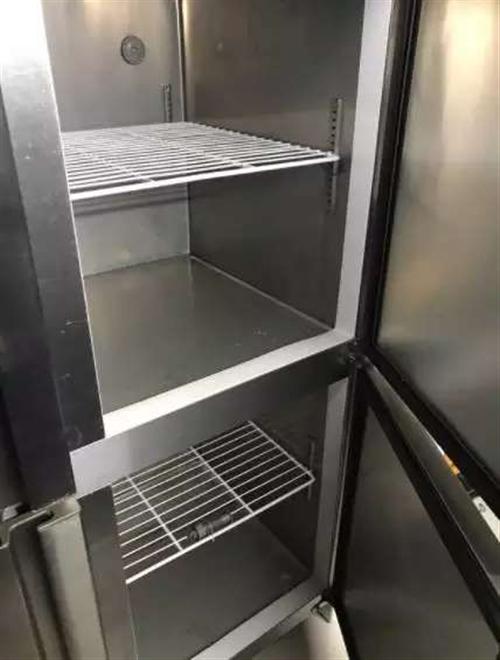 可耐牌冰柜兩千九買的,用過一個月??衫洳厣蟽鲆恢痹诩曳胖?,因搬家沒地方放現在低價出售,1500元。不...