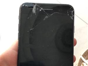 出售一部苹果7P  128G ,屏幕坏了 不影响使用  后摄像头坏了 前摄像头没事  指纹没事 ...