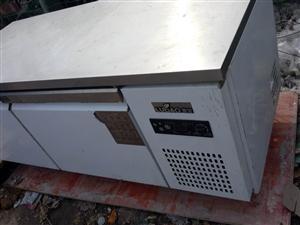 二手双温平台冰柜,电饼铛,电炸锅,平台架转让