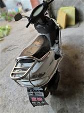 嘉陵125踏板,89层新,闲置低价出售给需要的朋友,1200元!有需要的速度联系了!