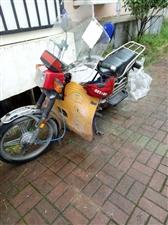 闲置二手豪爵150摩托车出售,有牌已脱审,只要800块,车在开阳世纪佳苑,代步安逸,有需要的看!