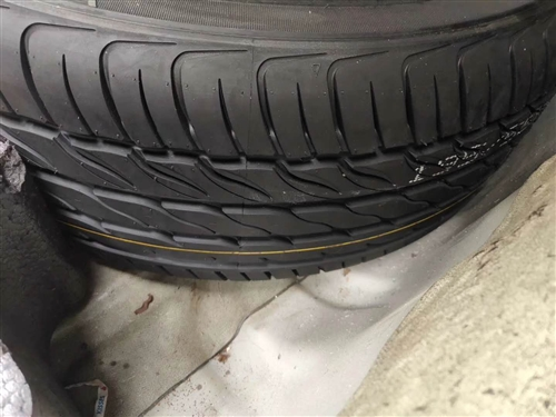大众轮胎一条,如图,型号195/60R14.不议价