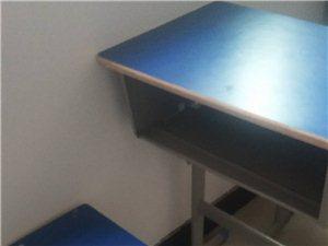低价转让一批学生课桌,九成新打印机,广场舞音响,联系电话18870234903