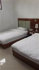 东屯环湖宾馆后楼1室 0厅 1卫1100元/月
