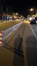 康庄商业街无处停车停车位被自行车停着,想要停车没有口能近,进去出不来,车都停主路,严重堵车,希望能解