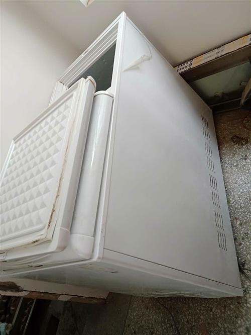 低价出售卤桶,冰箱,低汤灶,显示屏,电话15993376310-非诚勿扰,谢谢!