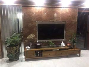 宝龙190平豪装4室 楼层佳带车库245万元