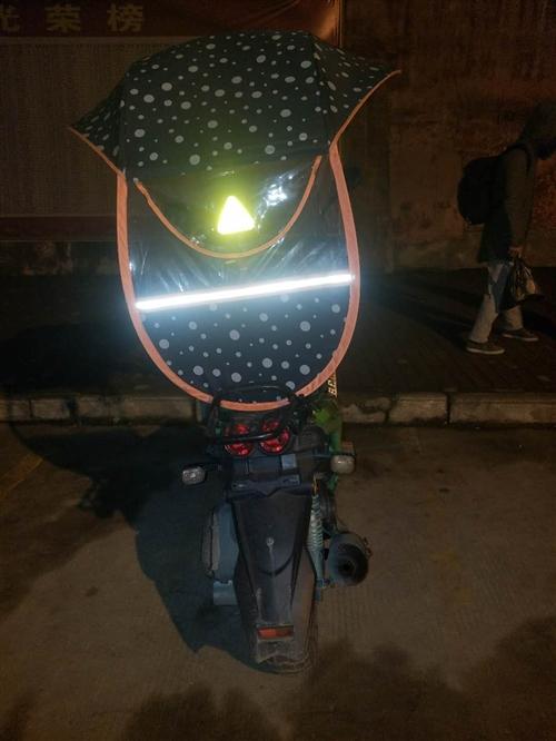 路虎摩托车1100 八成新  价格可以商量  有遮雨棚