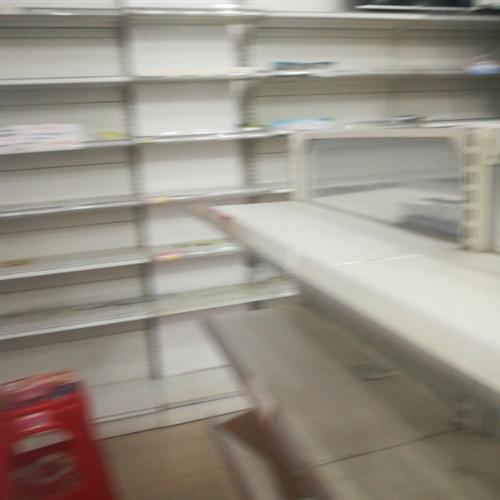 乐安《华龙妈咪宝贝》店面全新升级,现有批8成新货架出售。价格面议。