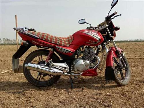 类型:摩托车 型号:铃木-A 10年买的,八成新,骑了0.5万公里