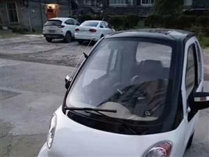 半年新车,充电可走120公里,可载3人拍。挡风遮雨,低价出售。微信同号