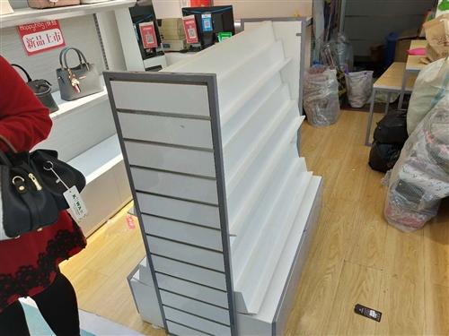 低價處理品牌錢夾柜,原價1200,現價500.只用幾個月,九成新,要了速來!