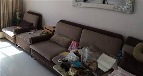 布艺沙发,可拆洗,重体海绵,带单人塌。搬运费买家自理。