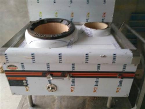 转让2手燃气炉灶,一炒一温,9成新。电话微信同号:15254376506
