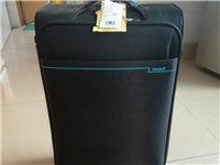 出售全新行李箱一個,全新的卡拉羊品牌。價格便宜,需要的可以聯系。