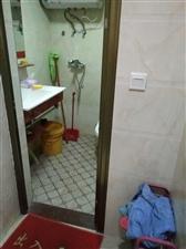 宝龙1室 1厅 1卫1300元/月
