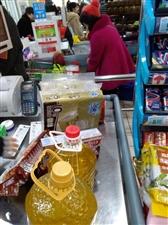 动物明目张胆进大润发超市,你怎么看?